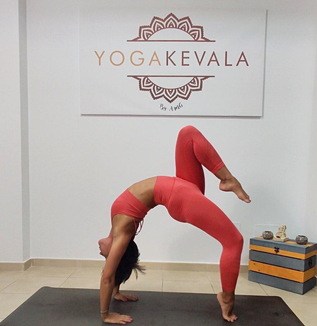 dhanurasana_yogakevala