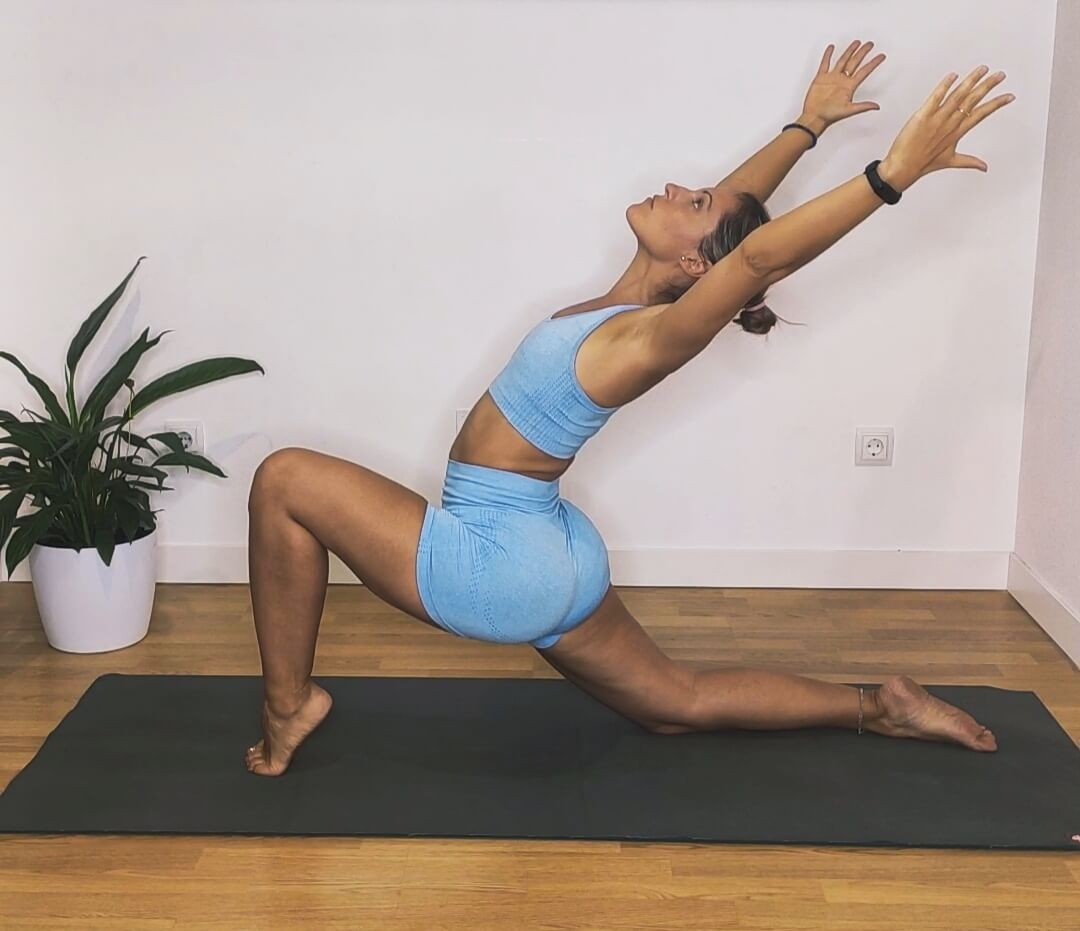 apertura_caderas_piernas-yogakevala